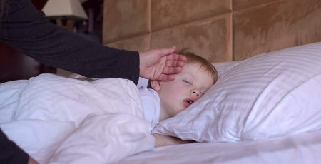 Gdy dziecko poci się podczas snu...