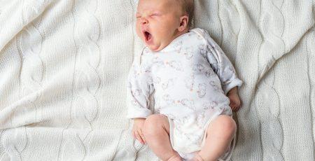 Jak układać noworodka do snu
