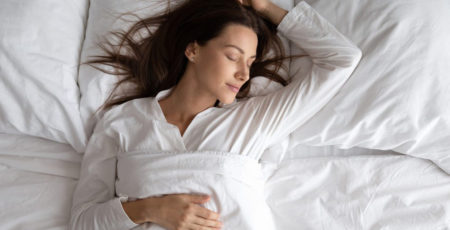 Mówienie przez sen – co wygadujemy, gdy śpimy