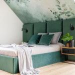 Jak urządzić sypialnię na poddaszu – wskazówki architekta wnętrz