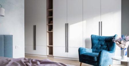 Garderoba w sypialni – sposoby na przechowywanie rzeczy na niewielkim metrażu