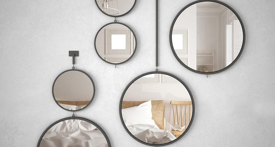Dekoracyjne, okrągłe lustra w sypialni na ścianie - zdrowy-sen.eu